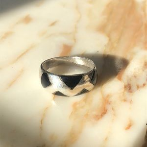 Vintage Sterling silver & onyx ring